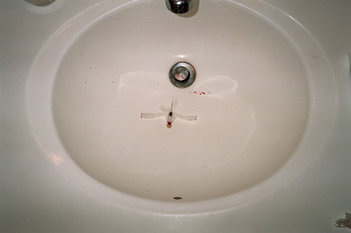 needle in sink, chicago 2007