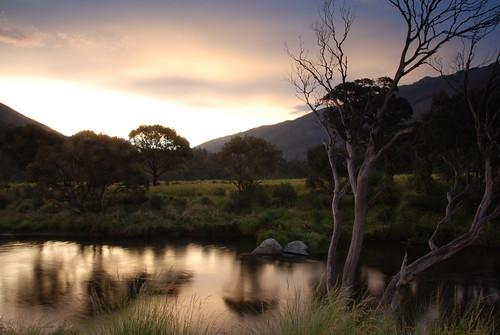sunset mountains geotagged nikon australia nsw newsouthwales nikkor snowymountains thredboriver 18200mmf3556gvr d80 thredbodiggings