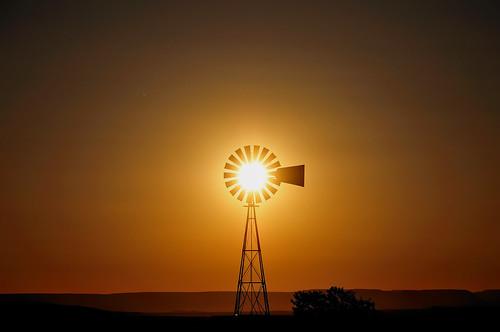 sunset sun newmexico windmill silhouette bravo moment f8 foryou gettyimages synchronicity nikon18200mmf3556gvr lagunapueblo nikond300