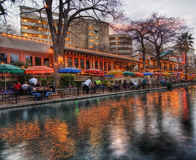 The River Walk At Sunset In San Antonio Everyone Loves