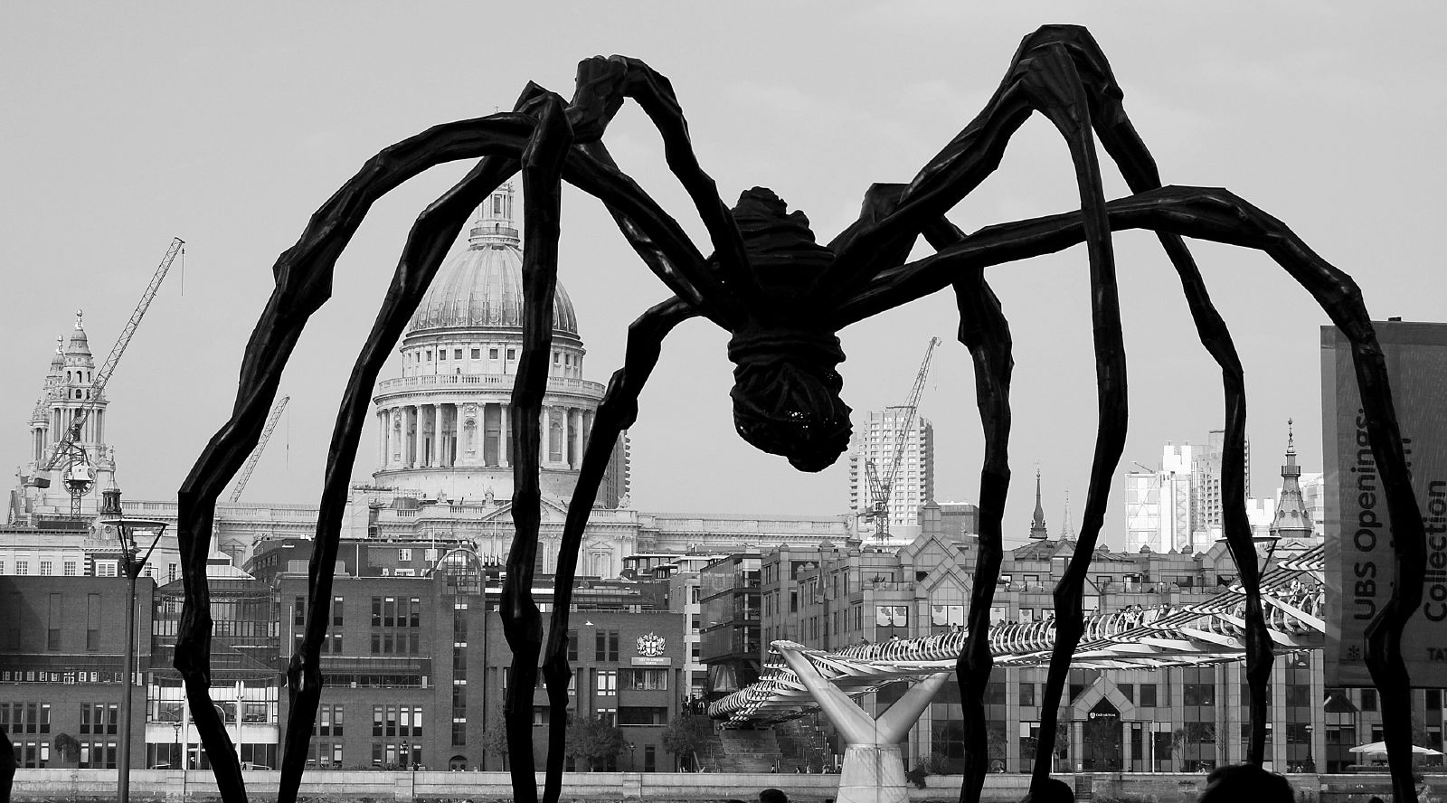 Maman louise bourgeois 39 giant spider flickr photo sharing - Bourgeois foto ...