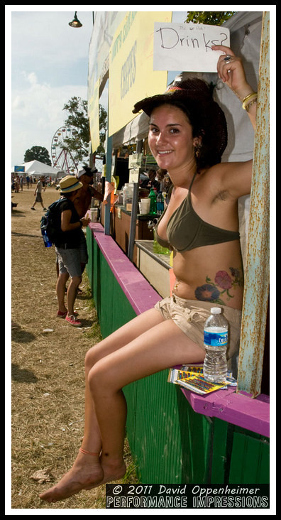 Bonnaroo Crowd Photos - Bonnaroo Girls, Crowds & More - 2010 Bonnaroo Music Festival Photos - © 2011 David Oppenheimer