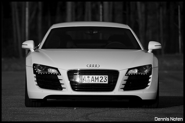 | Audi R8 | Black and white | | 420HP 430NM 0-100km/h (0-6 ...