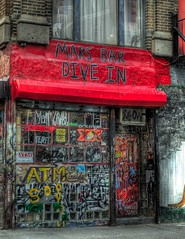 What 39 s the meaning of dive - Dive bar definition ...