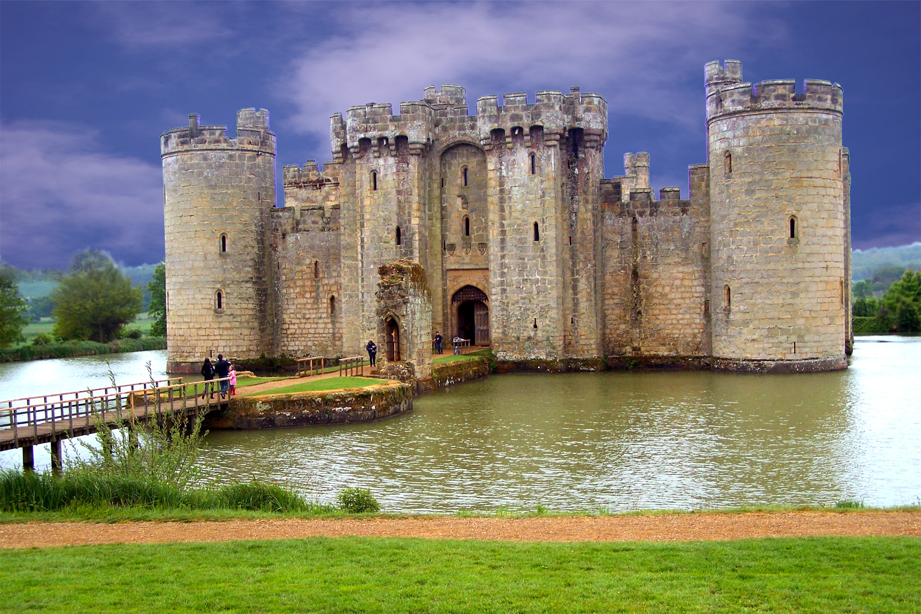 Bodiam castle in east sussex england images 11