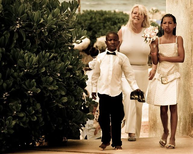 Candid Wedding Party Photo - VoxEfx - Flickr - Photo Sharing!