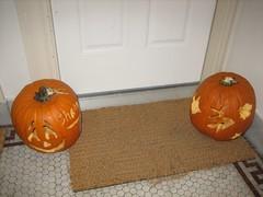holiday(0.0), carving(1.0), art(1.0), orange(1.0), pumpkin(1.0), halloween(1.0), calabaza(1.0), produce(1.0), jack-o'-lantern(1.0),