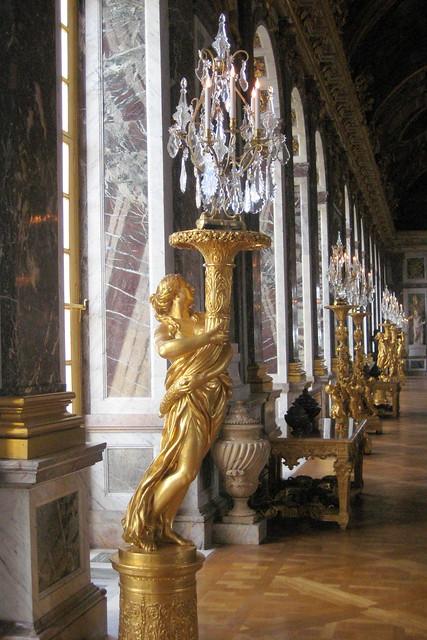 Versailles ch teau de versailles la galerie des glaces torch re orn e d 39 une femme drap e - La reine des glace streaming ...