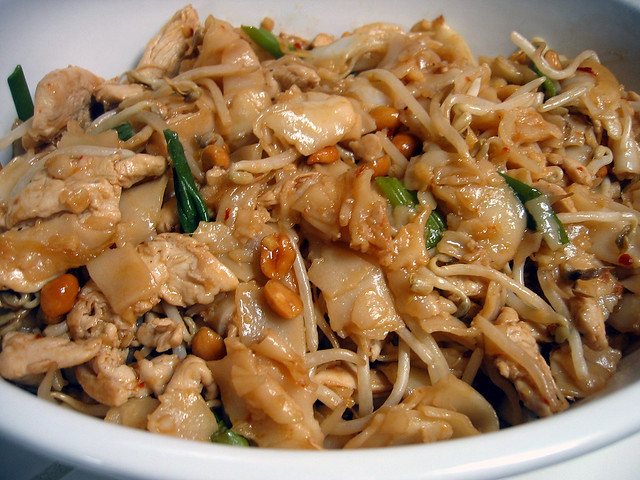 Chicken chow fun | Flickr - Photo Sharing!