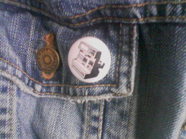 polaroid button