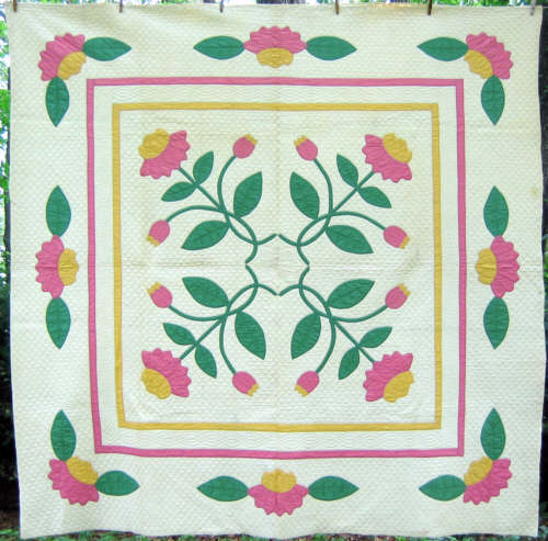 Pretty 1930's applique kit quilt