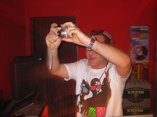 Mr Whitelabel DJing