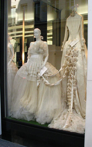 1994 channel wedding dresses in paris channel window for Vintage wedding dresses paris
