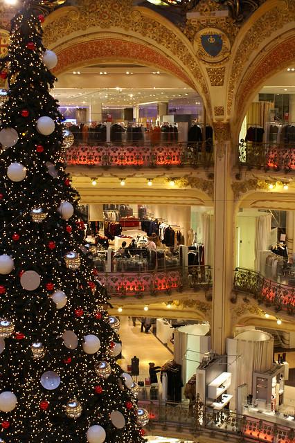 christmas tree lafayette shop haussman paris france. Black Bedroom Furniture Sets. Home Design Ideas