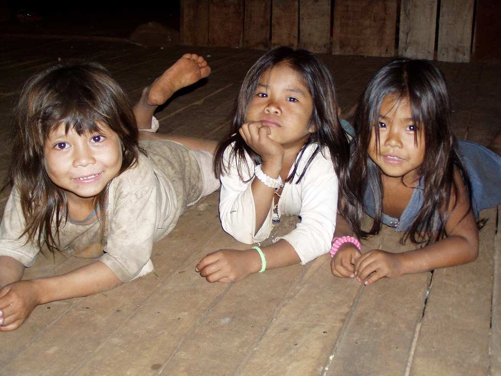 Ethnic girls Nude Photos 9