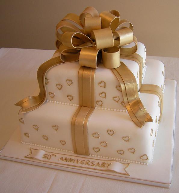 Anniversary Chocolate Cake Design : 2204102391_b6eb49921a_z.jpg