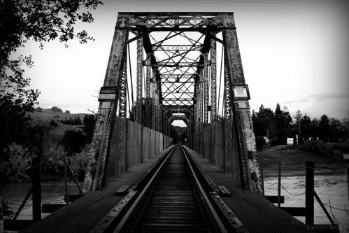 county railroad bridge bw white black digital river xt photo sonoma perspective rail exposition norcal vignette healdsburg digitalcameraclub bwdreams blackwhitephotos digitalphotoexposition