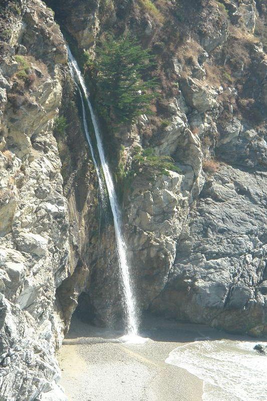 Detalle de la Cascada principal desde el camino del mirador Pfeiffer State Park, fusión de tierra y agua - 2528657568 a179e4b86c o - Pfeiffer State Park, fusión de tierra y agua