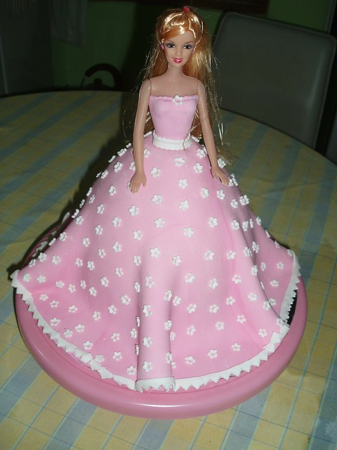 Baby Doll Cake Design : pink barbie cake 1 Flickr - Photo Sharing!