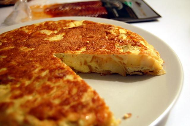 Spanish tortilla by Flickr user su-lin