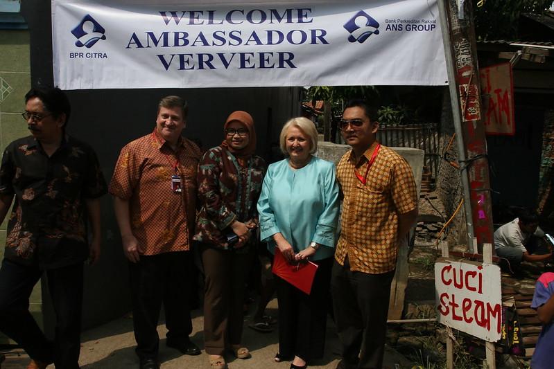 U.S. Ambassador Melanne Verveer visits USAID sponsored microfinance project