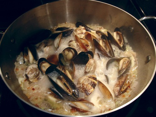 Linguine with Clams and Mussels 3