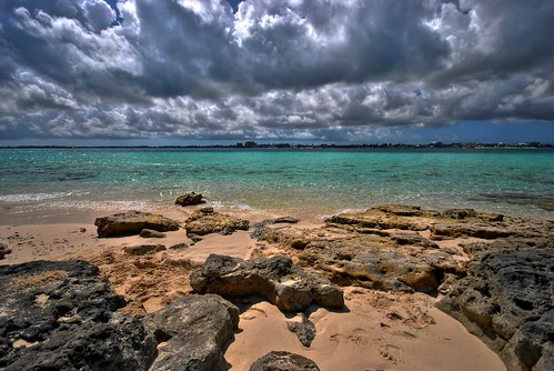 vacation beach water sand nikon break cloudy harbour rocky shore tropical bahamas hdr d80