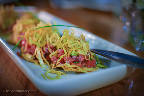 Tuna mini-tostadas | by Lienzo Culinario