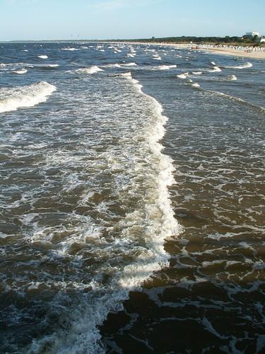 neu belebt das Ufer vor Peenemuende oder Usedom oder Ahlbeck 171