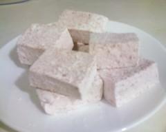 Strawberry marshmallows