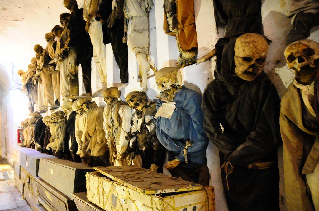 2419351164 7a627926a3 b - Kamu suka horror ? berani ngunjungin 10 tempat paling menyeramkan di dunia ini ?