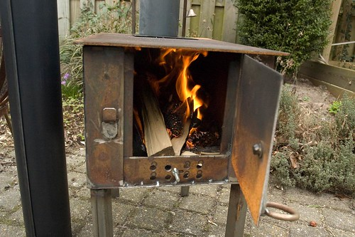 Homemade wood stove keeps my for How to make a small stove
