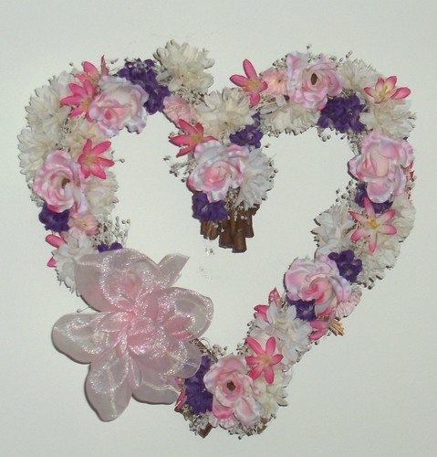 jublke's Heart-Shaped Flower Wreath