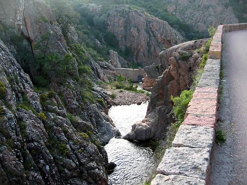Près du pont de Cavallaghju, le Dardu en eau