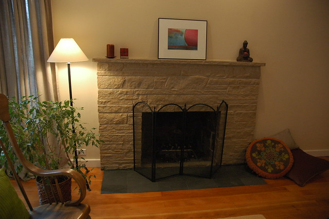 Simple zen style living room after makeover with flat for Zen simple living