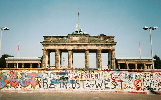 brandenburg gate 1989 -#main