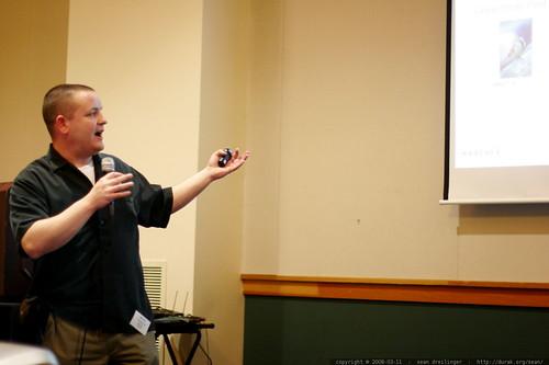 matt mcgee speaking at sempdx searchfest 2008    MG 0254
