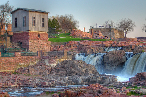 trees tourism southdakota photoshop ruins sd waterfalls hdr quartzite siouxfalls fallspark bigsiouxriver