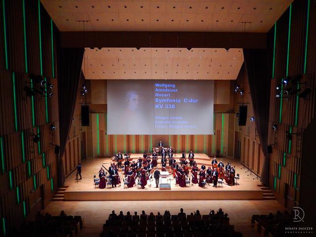 The Concert, Nikon COOLPIX S9400