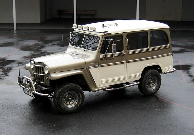 1958 Willys Jeep Wagon http://www.flickr.com/photos/ddg988/1655723088/