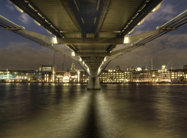 0891 Under the Millenium Bridge