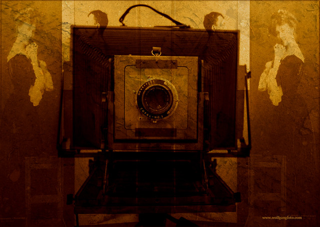 Photo:old camera By:wolfgangfoto