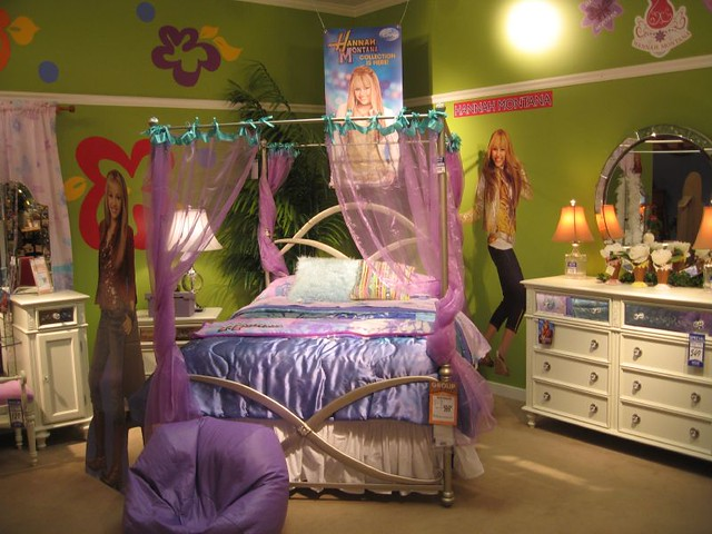 Hannah Montana room on crack Flickr  Photo Sharing! - Hannah Montana Bedroom