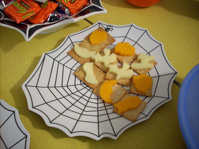 SpookyCheeseCrackers