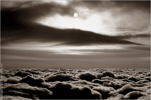 Natural light - Clouds @ 35000 ft @ sunrise - chicagbw-500