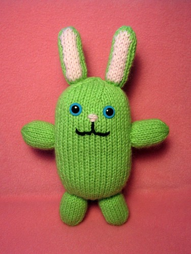 Knitting Patterns Toys Free Downloads : Small bunny pattern tography