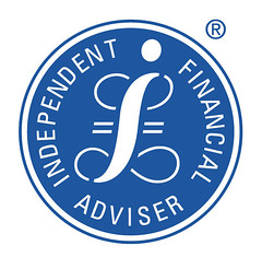 should independent financial advisors fees performance related