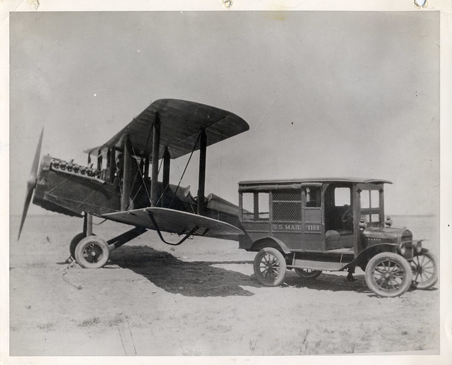 de Havilland Airmail Plane and Mail Truck