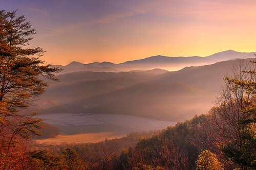 greast smoky mountains national park foothils parkway dawn sunrise mist fog