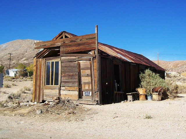 Ramshackle ruins at Darwin ghost town outside of Death Valley (darwin10xy)